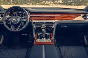 Flying Spur, lussuoso 'salotto' Bentley che fila a 333 km/h (ANSA)