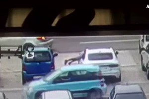 Come ti rubo l'auto in 55 secondi, e il video diventa virale (ANSA)