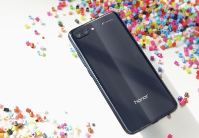 Honor 10 punta su Intelligenza artificiale (ANSA)