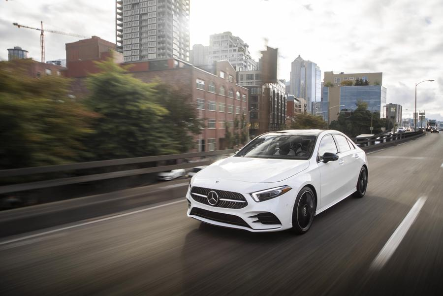 Mercedes, il design di Classe A Sedan ©